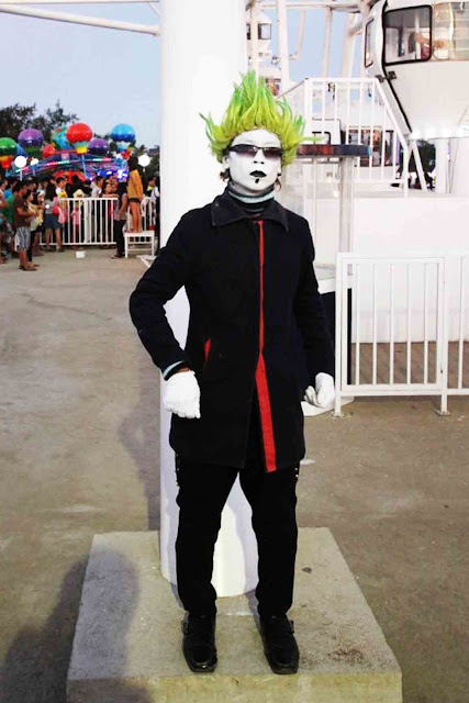 Mime at Sky Fun Amusement Park at Sky Ranch Tagaytay