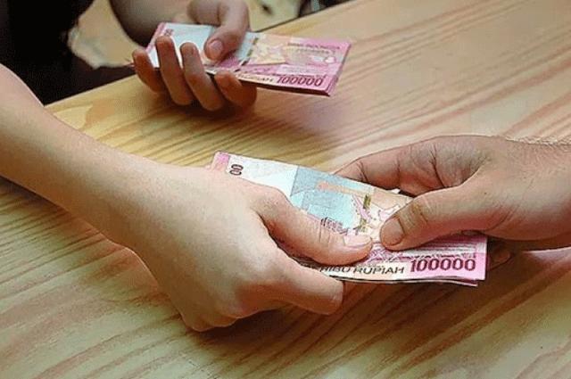 Sadarilah Wahai Suami, Uangmu Milik Istrimu Tapi Uang Istrimu Bukan Milikmu