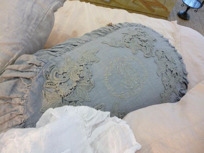 la demoiselle d 39 avignon honneur amandine de brevelay. Black Bedroom Furniture Sets. Home Design Ideas