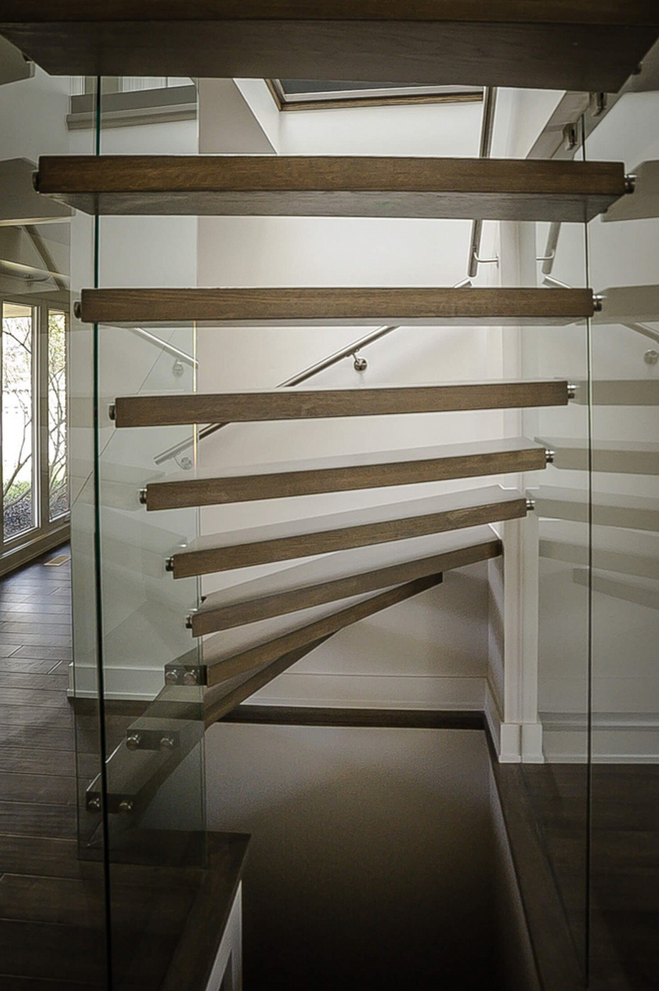 20 Great Staircase That You Must Follow