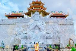Vihara Ksitigarbha Bodhisattva, Spot Wisata Religi yang Sedang Hits
