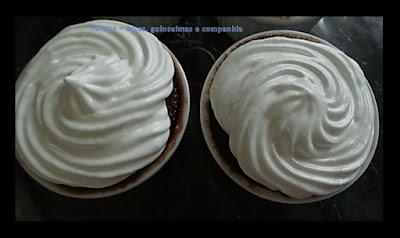 bolo de caneca; lanche rápido; receita de microondas; receita de micro-ondas; café da manhã; chocolate.bolo de caneca; lanche rápido; receita de microondas; receita de micro-ondas; café da manhã; chocolate.