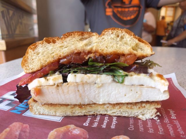 Review wendy 39 s fresh mozzarella chicken sandwich for Does wendy s have a fish sandwich