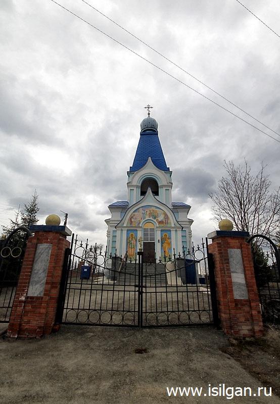 Hram-Rozhdestva-Presvjatoj-Bogorodicy-Gorod-Verhnij-Ufalej-Cheljabinskaja-oblast