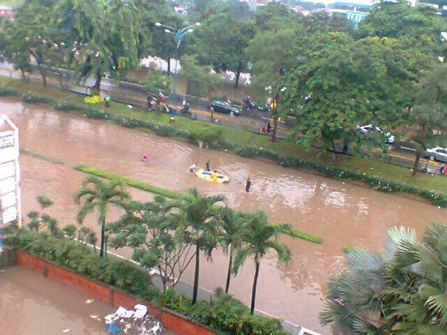 Contoh Teks Laporan Hasil Observasi banjir