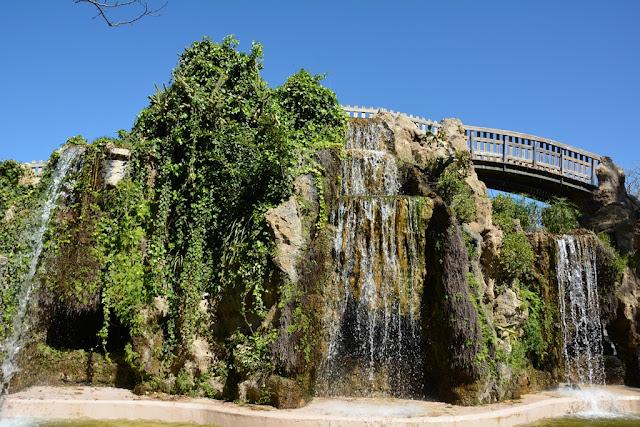Park Genoves Cadiz water cascade