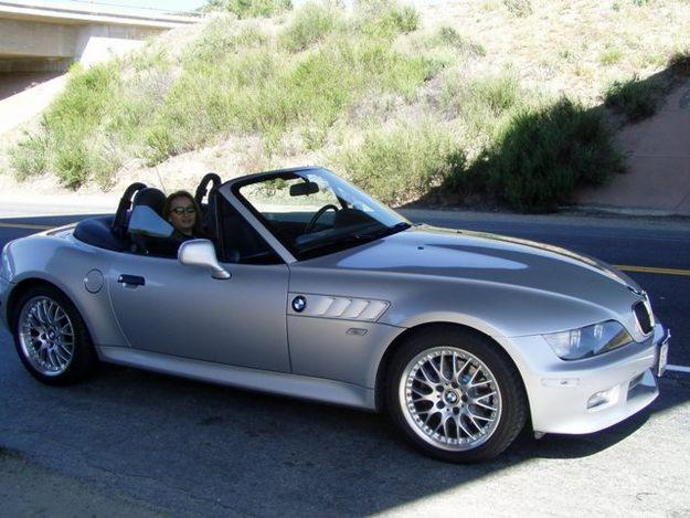 bmw z3 car prices specification photos gallery. Black Bedroom Furniture Sets. Home Design Ideas
