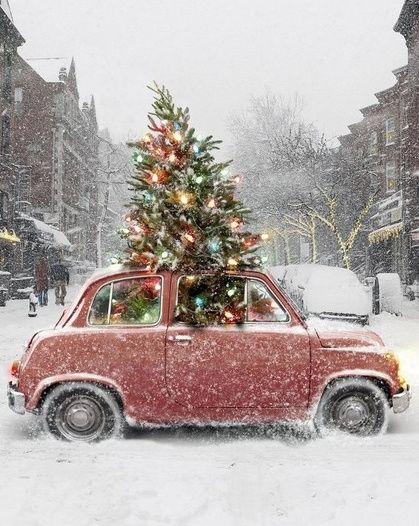 Ravacholle Lifestyle Blog | Minimal Christmas: rockin' around the Christmas tree and how to celebrate the holiday season the simple way, Christmas tree inside a red car