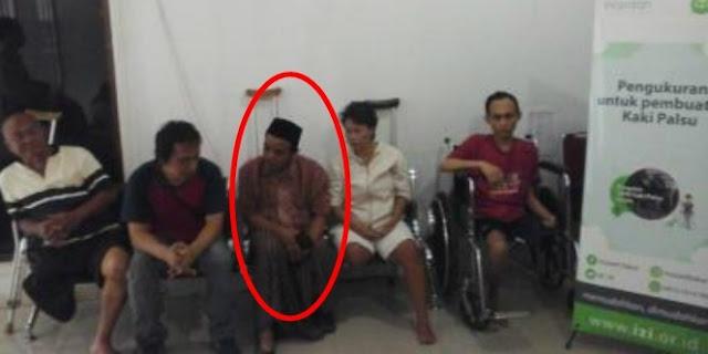 Dapatkan Kaki Palsu, Pria Ini Bersyukur Karena Bisa Kembali Shalat Berjamaah Di Masjid