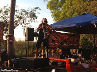 Joueur de didjeridoo, Mindil Beach Market, Darwin en Australie