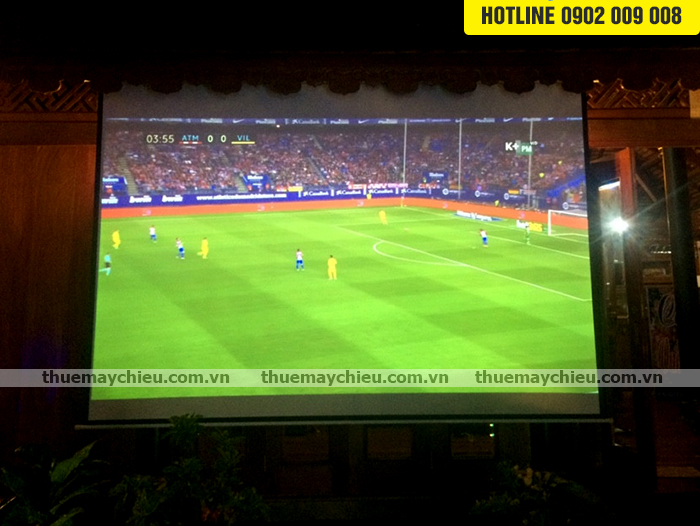 Lên ngôi dịch vụ thuê máy chiếu xem bóng đá SEA Games 29