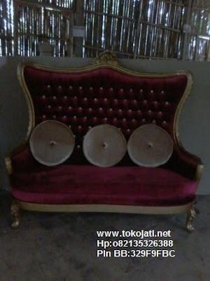 Jual Mebel Jepara,Toko Mebel Jati klasik,Furniture Mebel Jepara code mebel ukir jepara A1441 sofa classic goldleaf mewah kain beludru merah
