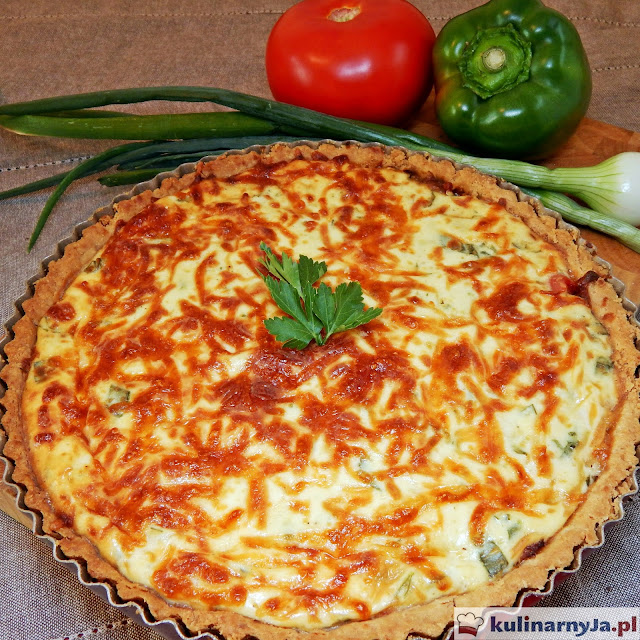 Tarta z boczkiem, warzywami i serem ricotta