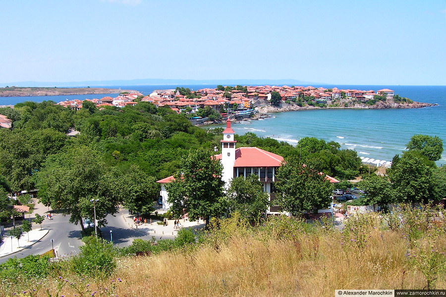 Вид на старый Созополь и городской парк | The Old Town of Sozopol and the Park