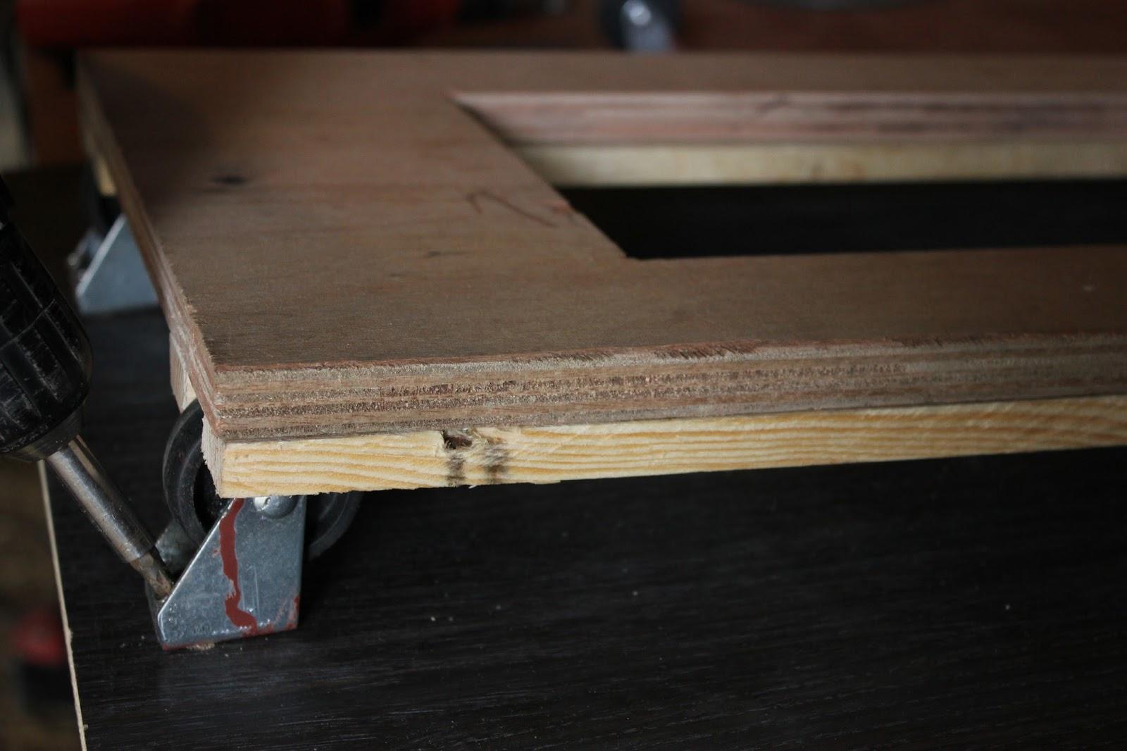 Castors for cross cut saw table