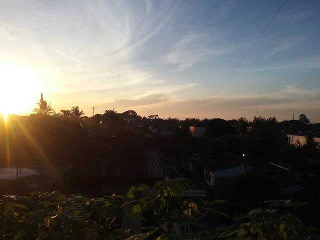 Matahari tampak mulai berbinar menyinari kota Pematangsiantar.