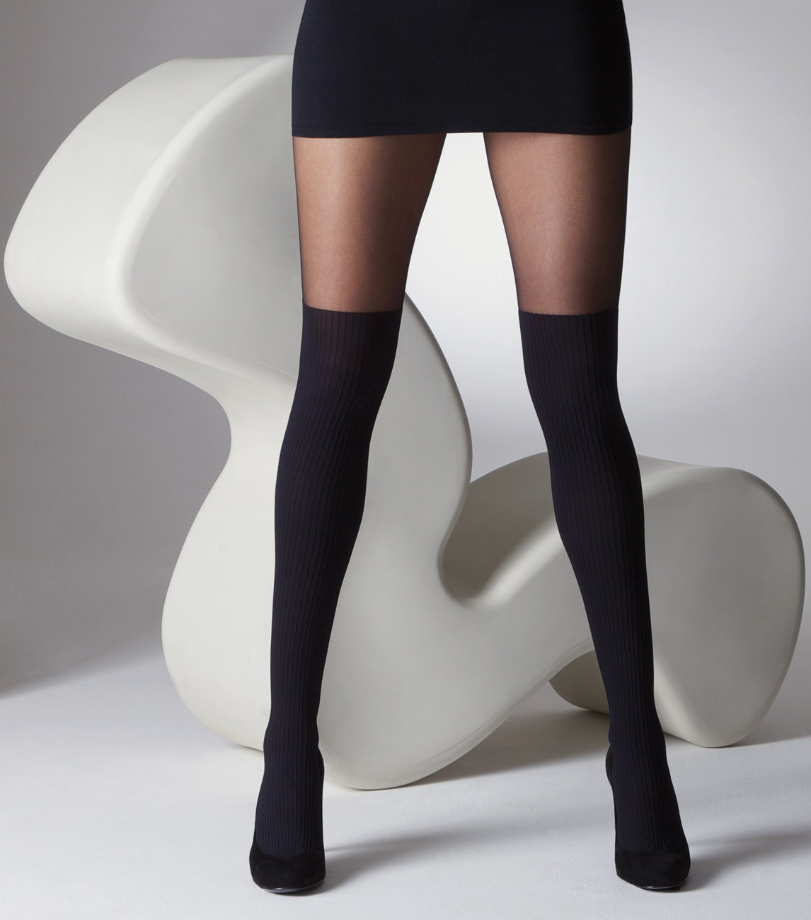 Discover our range of socks and tights for women at ASOS. Shop for women's denier tights, leggings, hosiery, bodysuits and women's socks for every occasion.
