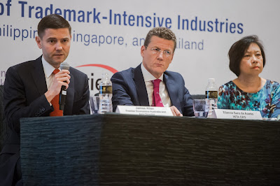 Source: INTA. From left: James Allan, Director, Australia and Asia for Economic Frontier; Etienne Sanz de Acedo, INTA CEO; and Ai Ming Lee, Dentons, Rodyk & Davidson Senior Consultant.