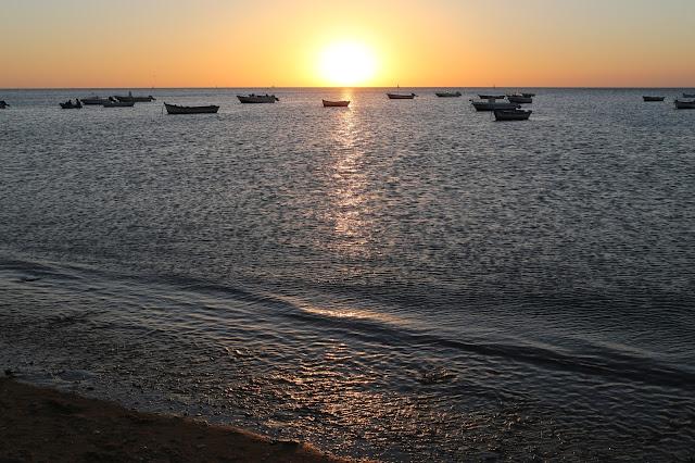 Puesta de sol desde la playa Bajo de Guía