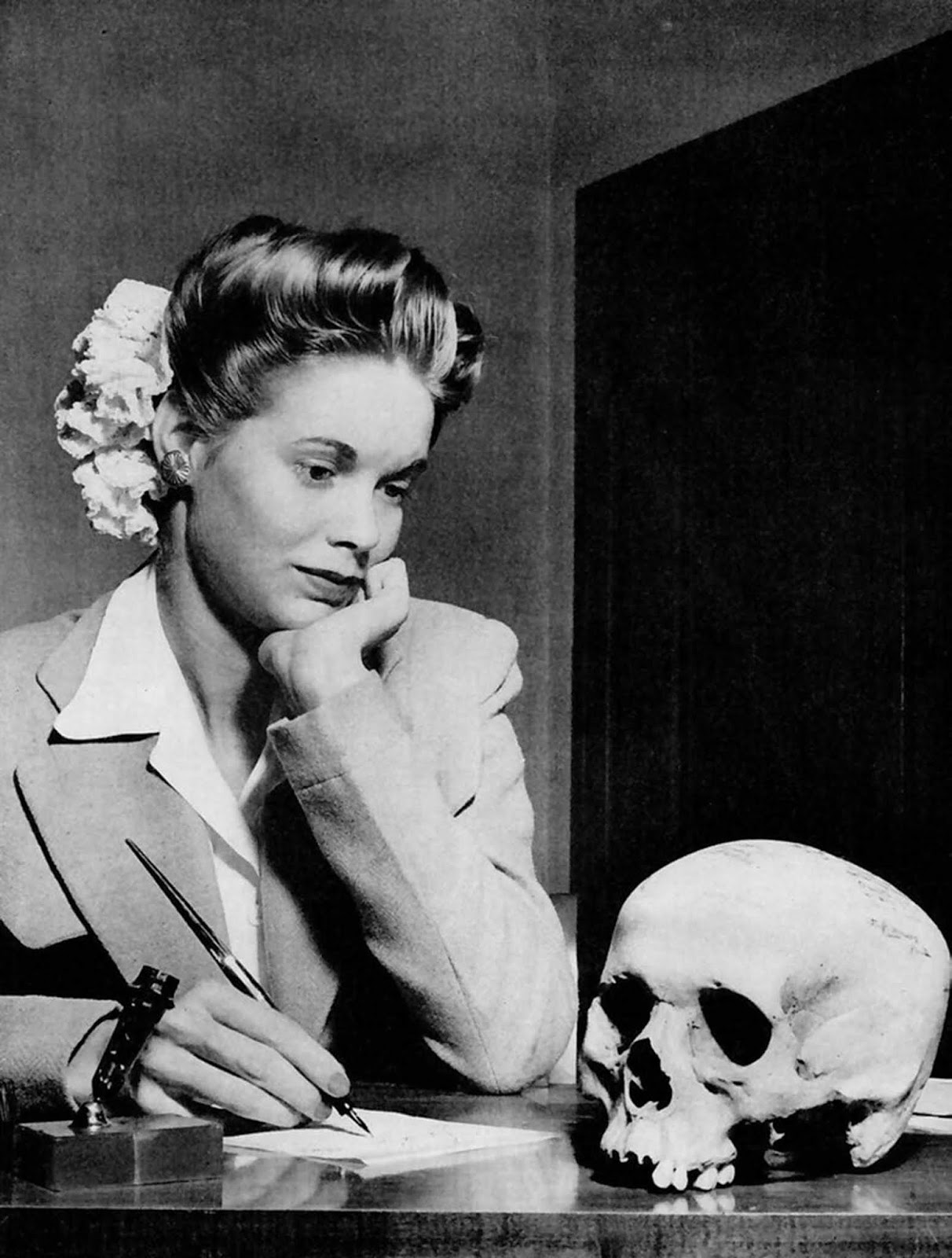 """Arizona war worker writes her Navy boyfriend a thank-you note for the Jap skull he sent her."" LIFE magazine's ""Picture of the Week,"" May 22, 1944."