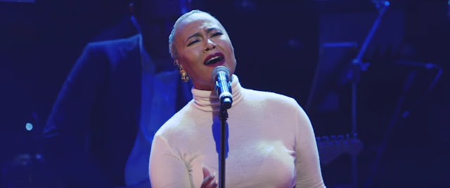 "Emeli Sandé Performs ""Hurts"" At Magic Radio's The Magic Of Christmas"