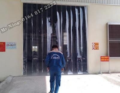 Rèm ngăn bụi khu vực cửa ra vào xưởng