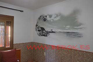 Mural de playa del caribe pintado en blanco y negro