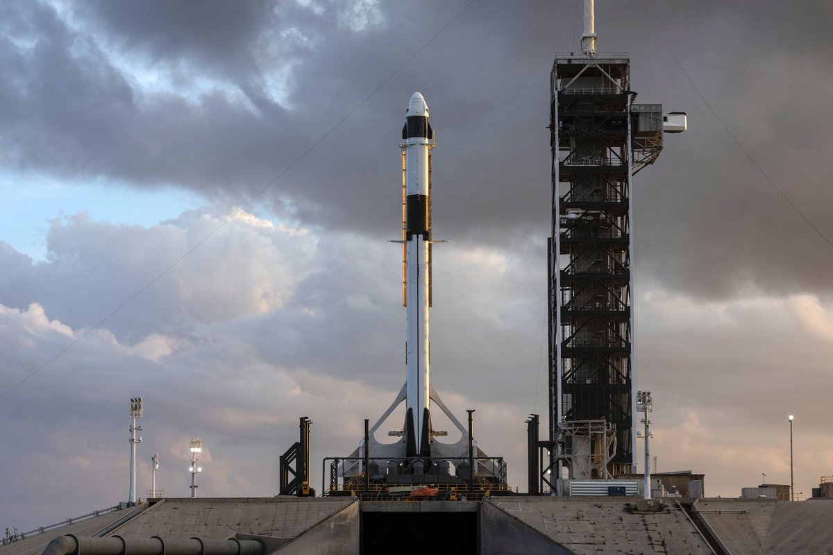 Space UpClose: Launch Target for 1st SpaceX Crew Dragon ...
