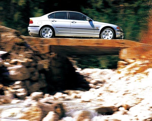 P90199953 lowRes bmw 3 series sedan e 30 χρόνια απο την πρώτη τετρακίνητη BMW