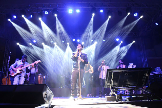 Ankit Tiwari performing at Dublin Square, Phoenix Marketcity, Kurla