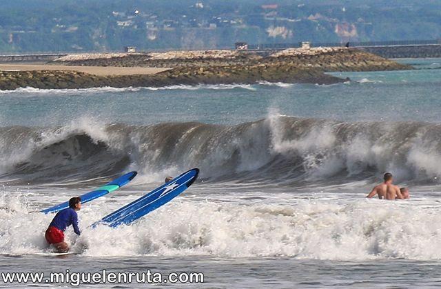 Surf-playa-Kuta-Bali