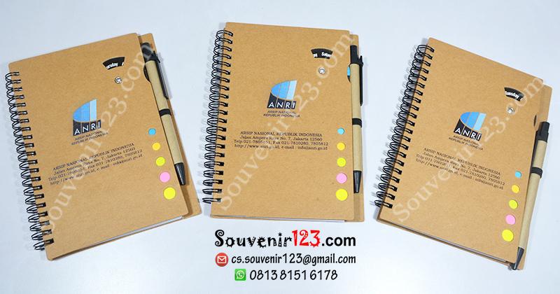 ... telah menggunakan jasa Souvenir123.com untuk pembuatan souvenir kantor  berupa Memo Week YS-XQ. Jenis cetakan  digital printing full color. 57efff37e7