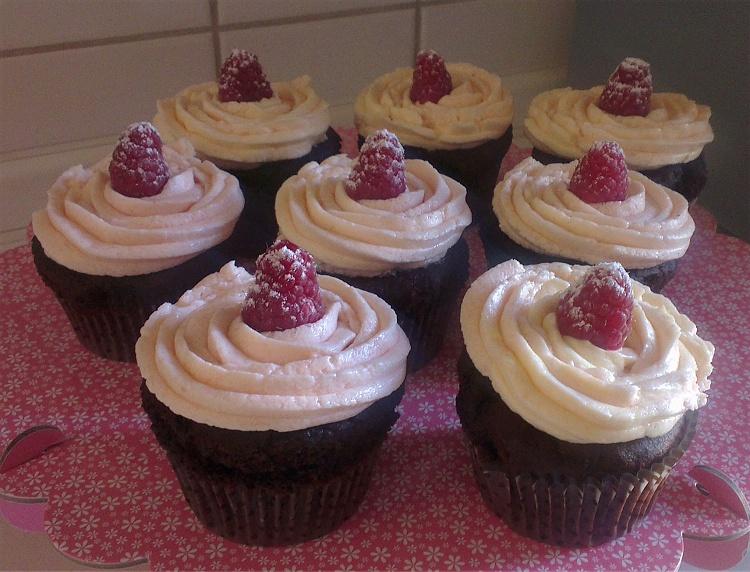 Schokoladen-Himbeer-Cupcakes