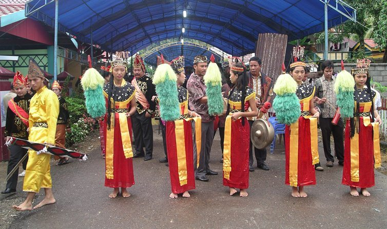 Dance Lumense / Tari Lumense ~ INDONESIAN CULTURE