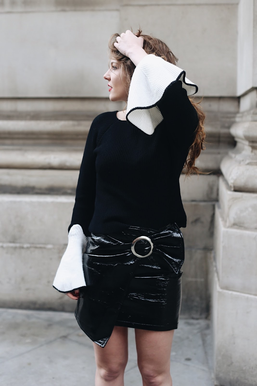 """london fashion, personal style, lfw, fashion style, mango skirt, skirt, rowme jumper, bell sleeves, oversized sleeves, london street style, london fashion, fashion blogger, style blogger"