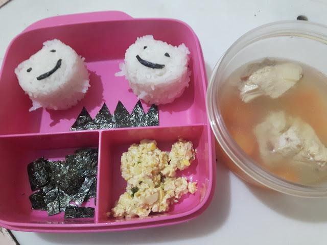 Bekal Sekolah : Nasi Panda dan Sup Ayam Nori