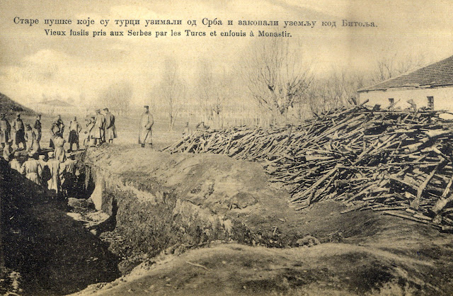 Bitola during the First Balkan War - Serbian postcard - Buried old rifles which the Turkish army captured from Serbian soldiers
