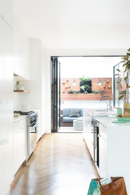 muy bien. Black Bedroom Furniture Sets. Home Design Ideas