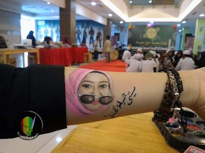 face painting potret dan kaligrafi arab