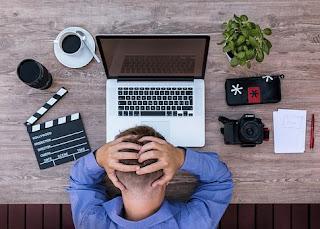 keuntungan blogger dan kelemahan youtuber