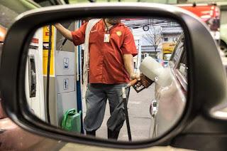 http://vnoticia.com.br/noticia/2737-gasolina-sera-vendida-a-r-1-96-por-litro-em-posto-de-combustiveis-em-vitoria-neste-sabado