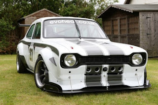 Escort-RSR-with-a-Radical-2.8-L-V8-04-620x413