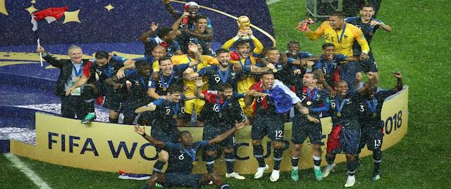 فرنسا تتوج بكأس العالم 2018 بعد فوزها على كرواتيا
