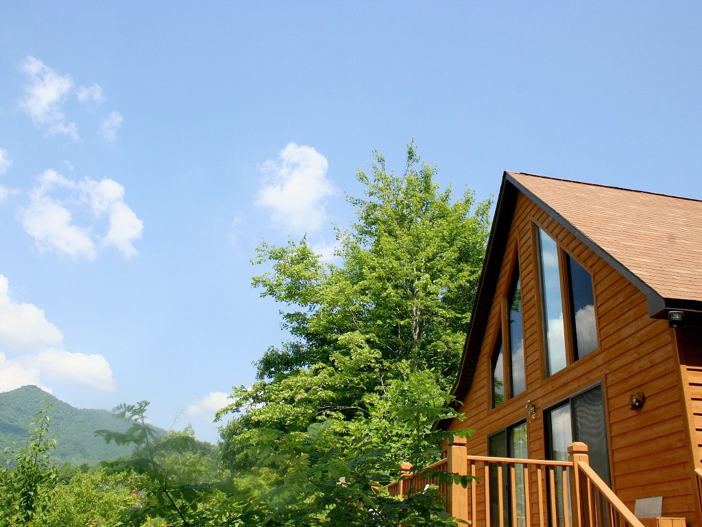 North carolina cabins mountain vacation rentals and lakefront cottages last minute labor day - Alpine vacation houses ...