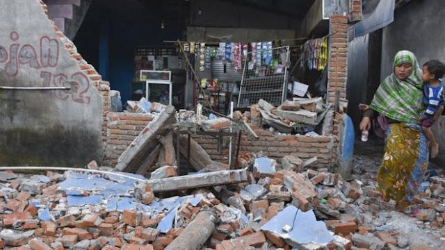 Gempa Bumi Musibah atau Ujian? ini Kajian Ilmiyahnya