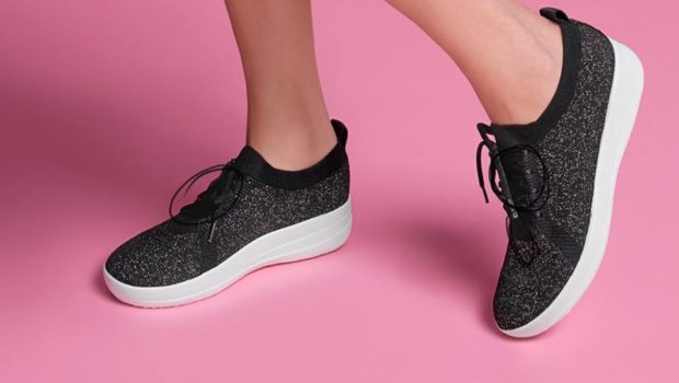 Enjoy The Comfort Of The Trendy  Sport  Shoes For Women