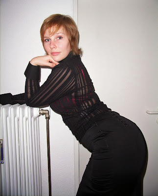 Nicole - Amazing Assets Naked Girl