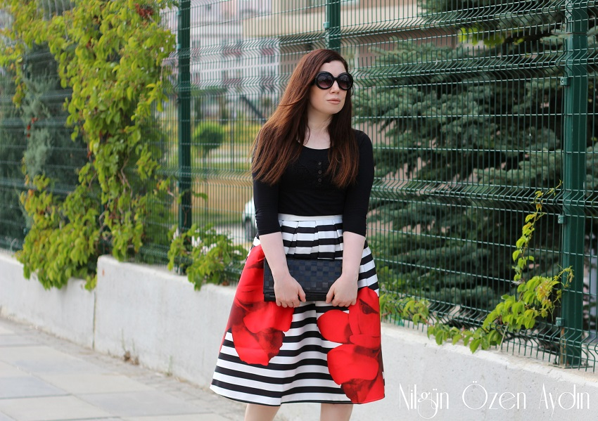www.nilgunozenaydin.com-moda blogu-siyah beyaz çizgili etek- fashion blogger
