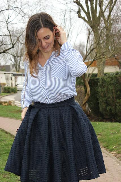 jupe sinequanone et chemise à rayures les petites bulles de ma vie