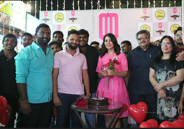 Rashi Khanna Birthday Celebrations 2016 Photos